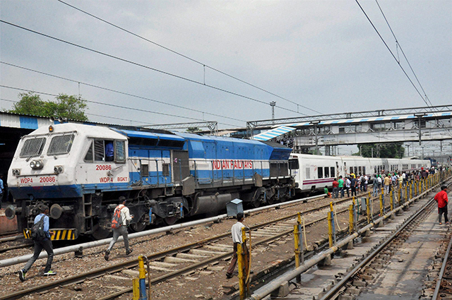 Moradabad: The Spanish train Talgo arrives at Moradabad Railway Station during its first trial run between Bareilly and Moradabd on Sunday. PTI Photo (Eds pls refer story DEL 27) (PTI5_29_2016_000068B)