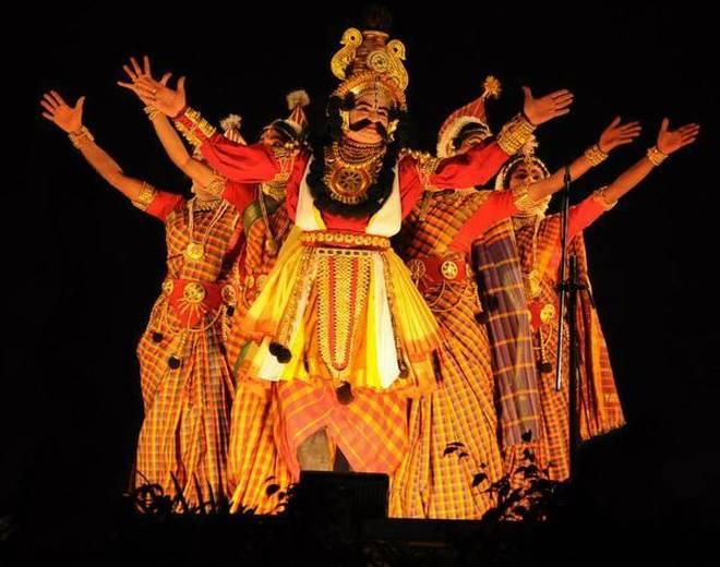 Yakshagana troupe - Performance